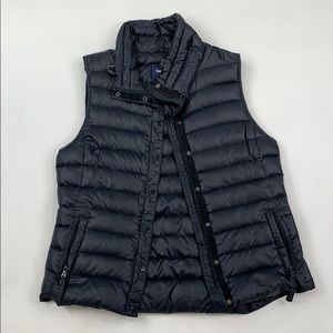 The GAP Black Puffer Vest